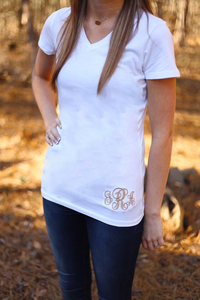 monogrammed v-neck t-shirt - white